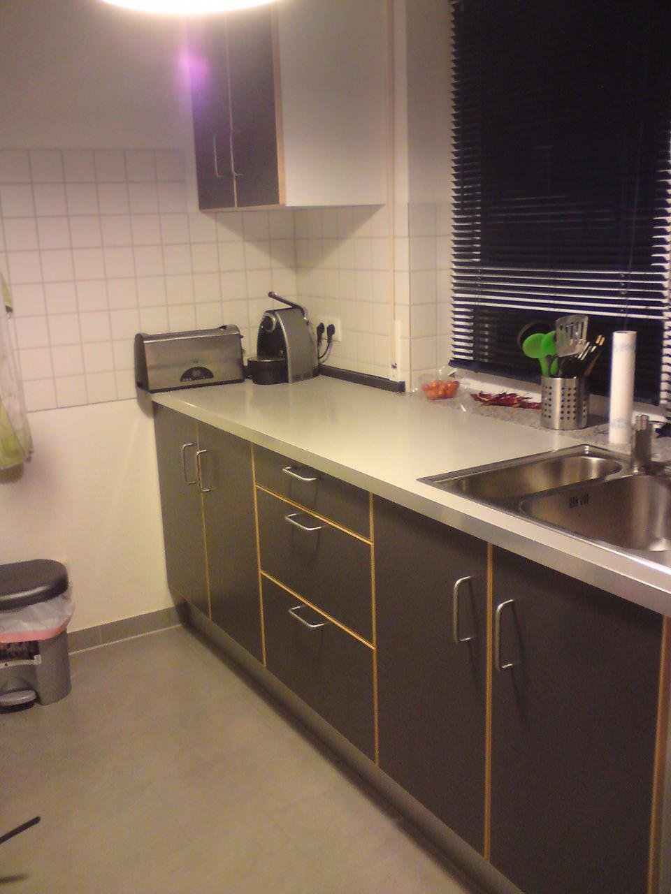 Full Size of Halterung Küchenrolle Ikea   Eckschrank Küche Ikea Porsche Design Küche Einrichten Mit Regalen Küche Eckschrank Küche