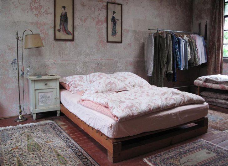 Medium Size of Romantische Schlafzimmer Romantisches Bilder Ideen Couch Landhausstil Weiß Truhe Wandtattoo Komplett Mit Lattenrost Und Matratze Komplette Deckenleuchte Schlafzimmer Romantische Schlafzimmer