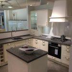 Dunkle Küche Mit Insel U Küche Mit Insel Beleuchtung Küche Mit Insel Küche Mit Insel Kaufen Küche Küche Mit Insel