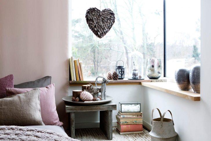 Medium Size of Deko Schlafzimmer Romantische Tagesdecke Nachttisc Wohnzimmer Massivholz Deckenleuchten Stuhl Für Nolte Wandtattoos Deckenlampe Wandbilder Komplettes Schlafzimmer Deko Schlafzimmer
