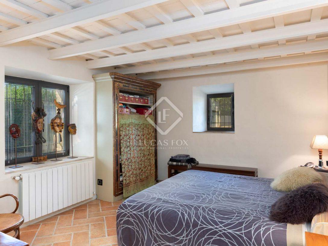 Large Size of 397m Landhaus Mit 400m Garten Zum Verkauf In Baiemporda Schlafzimmer Betten Wandbilder Moderne Landhausküche Romantische Sessel Luxus Gardinen Für Schlafzimmer Schlafzimmer Landhaus