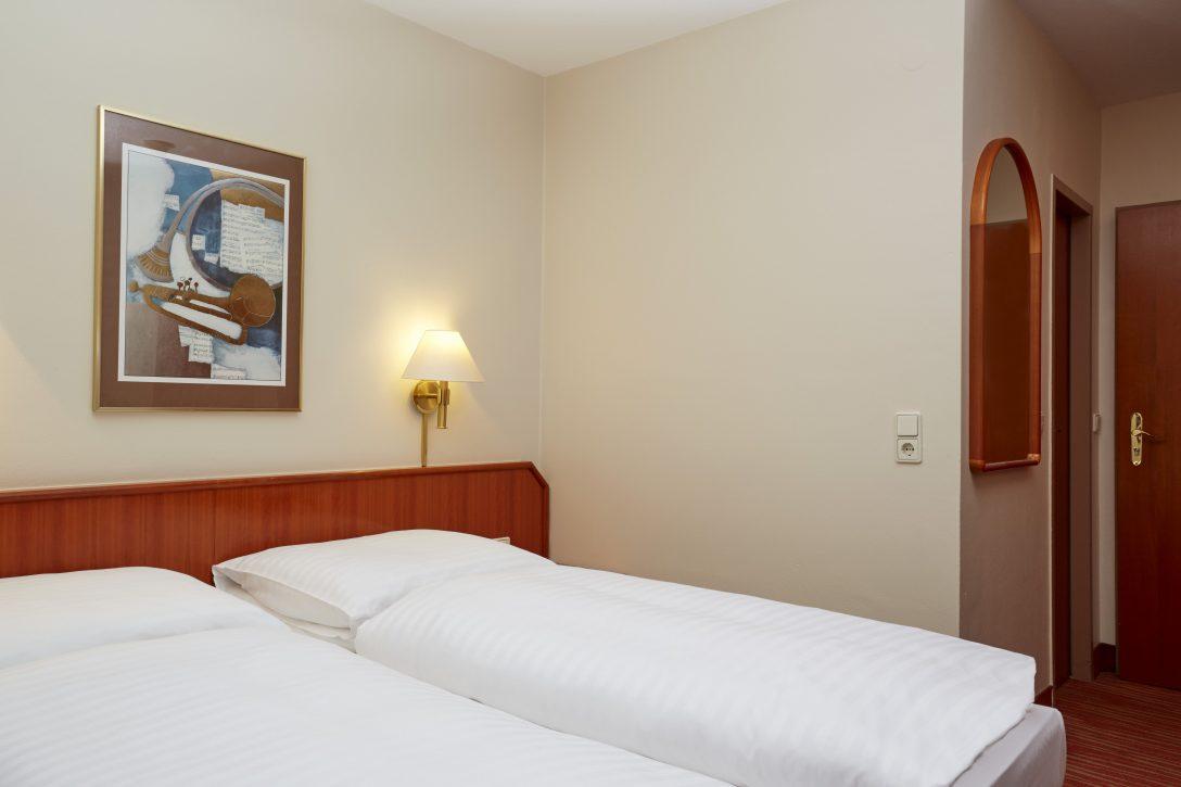 Large Size of Bett Im Komfort Zimmer Vom H4 Hotel Mannheim H Betten De Schöne Schlafzimmer Aus Holz Günstig Kaufen Mit Stauraum Outlet Möbel Boss Kopfteile Für Bett Betten Mannheim