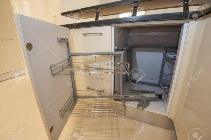 Medium Size of Kitchen Interior Design Cupboard Detail Küche Eckunterschrank Küche