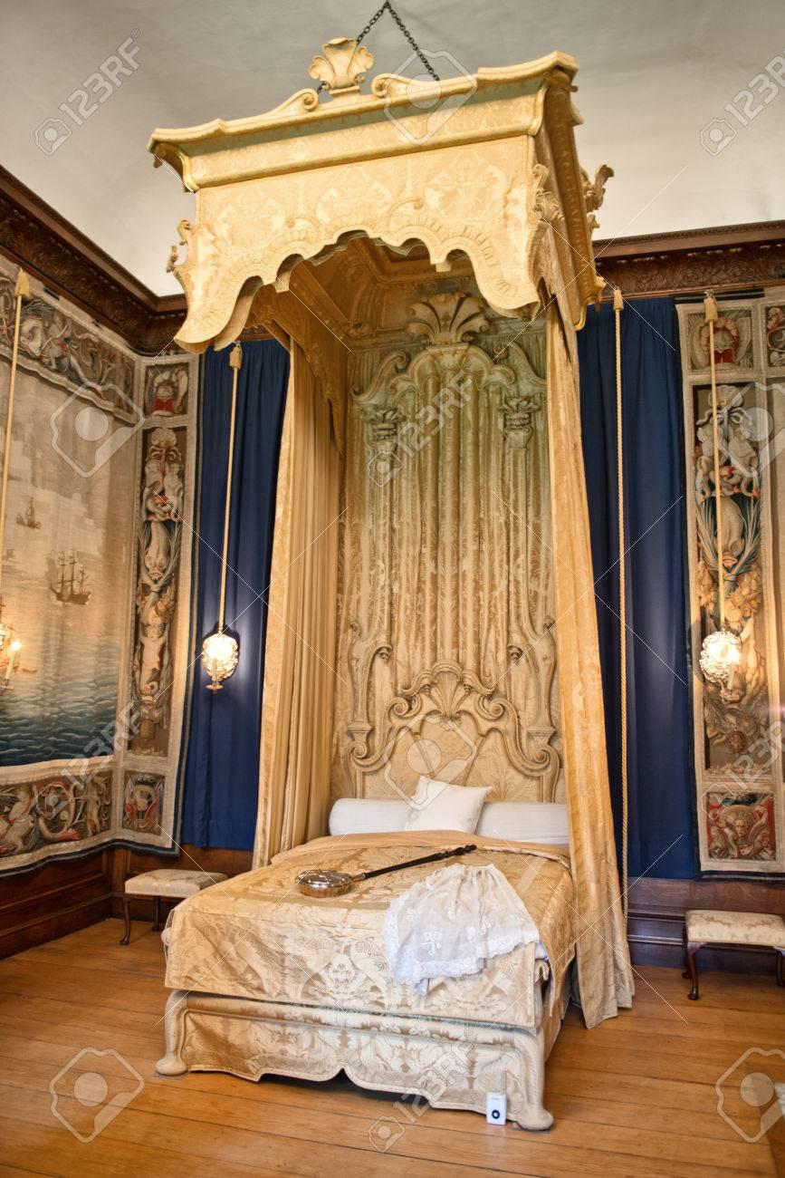 Full Size of Barock Bett In Hampton Court Palace Nhe Ausziehbar Massiv 180x200 Bette Starlet 120x200 Mit Bettkasten Betten Outlet Vintage Massivholz Rückwand 140x200 Bett Barock Bett