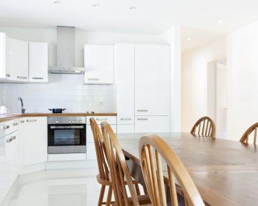 Einbauküche L Form Küche Interior House, Large Modern Kitchen, Dining Table