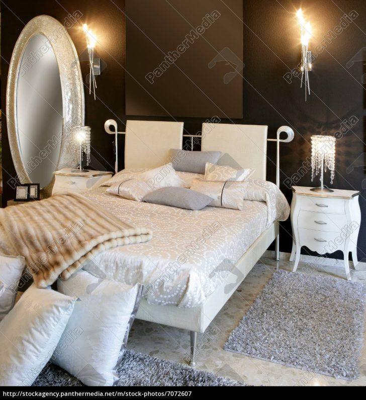 Medium Size of Schlafzimmer Moderne Silber Ovale Spiegel Weies Bett Trends Betten Lattenrost Baza Bei Ikea 100x200 Buche Xxl 180x200 Jabo Mit Stauraum 140x200 Skandinavisch Bett Weißes Bett