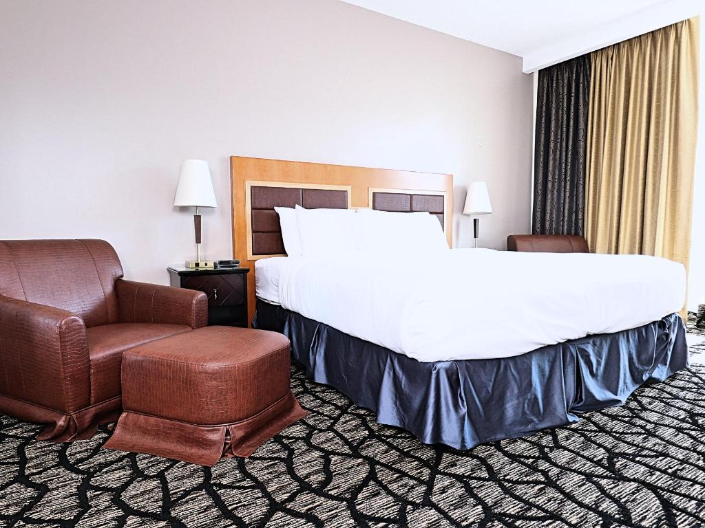 Full Size of Kingsize Bett Empire Suites Offizielle Webseite Hotels In Montreal Mit Schubladen Prinzessin Bock Betten 180x200 Komplett Lattenrost Und Matratze 140x200 Bett Kingsize Bett