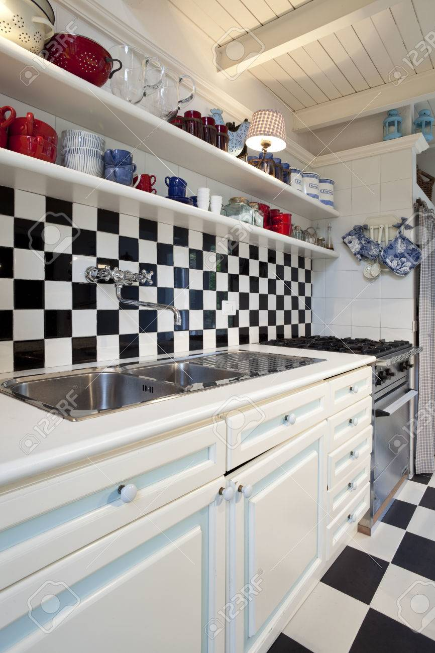 Full Size of Chessboard Tiled Kitchen Interior Küche Fliesen Für Küche
