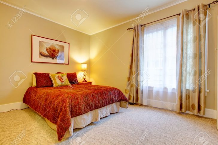 Medium Size of Helles Schlafzimmer Mit Beigen Und Gelben Gardinen Für Massivholz Set Günstig Schrank Sessel Komplett Weiß Lampe Guenstig Stehlampe Schlafzimmer Wandbilder Schlafzimmer
