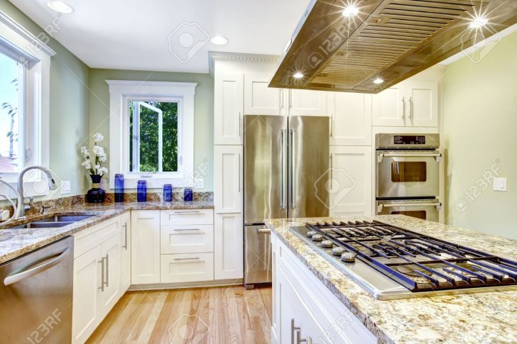 Medium Size of Granitplatten Küche Und Praktisch Kche Raumgestaltung Wei Schrank Mit Ohne Elektrogeräte Schrankküche Komplette Modul Arbeitsplatte Glaswand Einbau Küche Granitplatten Küche