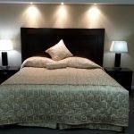 Kingsize Bett Bett Kingsize Bett Sunrise Motel Offizielle Webseite Motels In Regina 90x200 Tojo V 180x200 Mit Lattenrost Und Matratze Weiß 120x200 Barock Betten Bettkasten