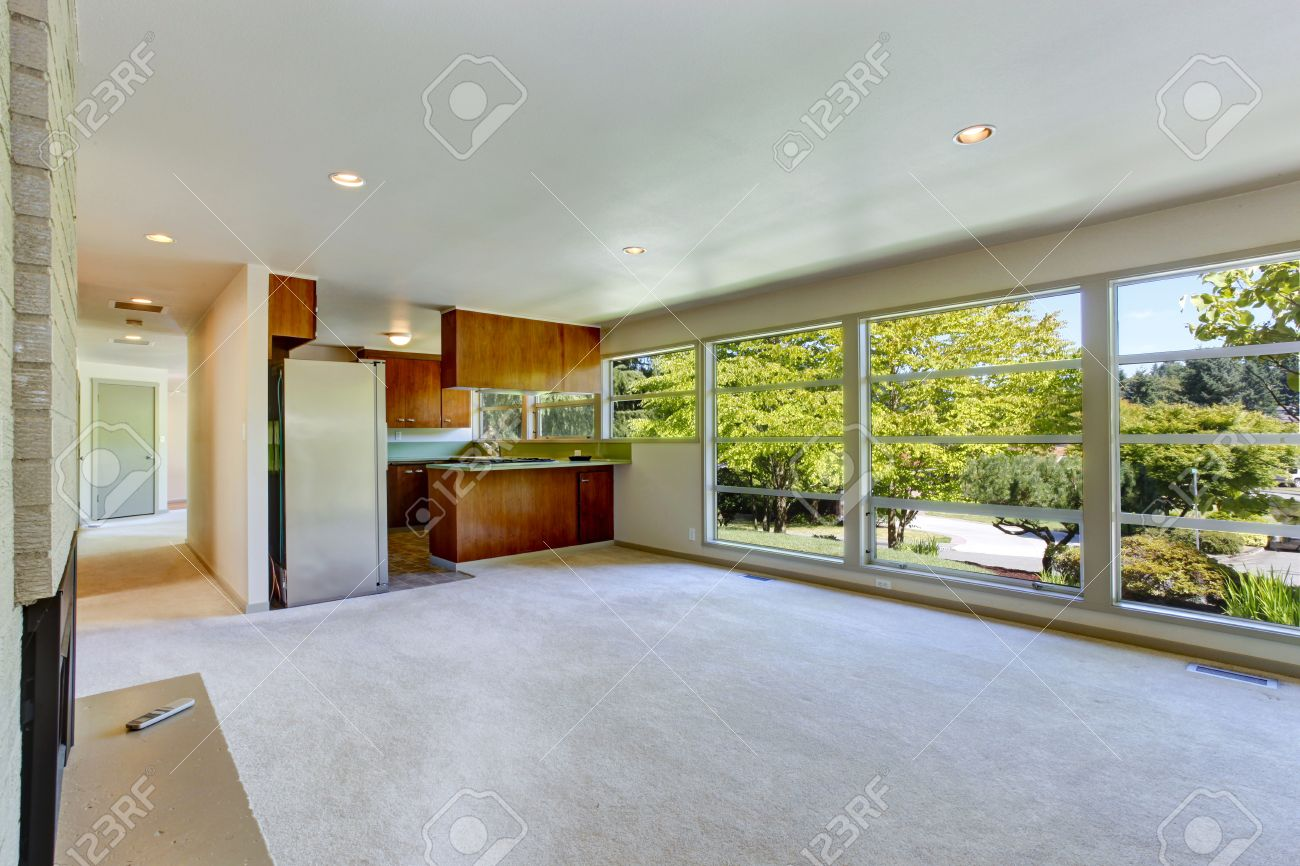 Full Size of Empty House Interior With Open Floor Plan. Living Room With Kitc Küche Glaswand Küche