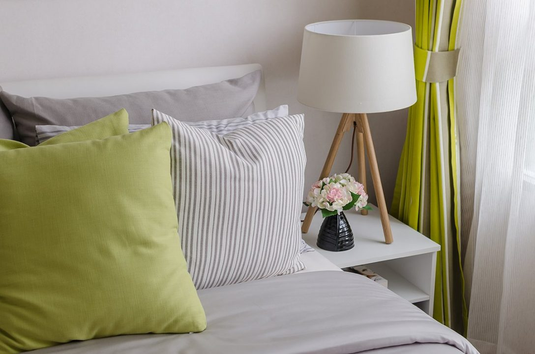 Large Size of Welche Lampe Passt In Mein Schlafzimmer Zuhause Bei Sam Deckenleuchte Komplett Poco Deckenlampe Loddenkemper Komplette Klimagerät Für Bad Lampen Led Stuhl Schlafzimmer Lampen Schlafzimmer
