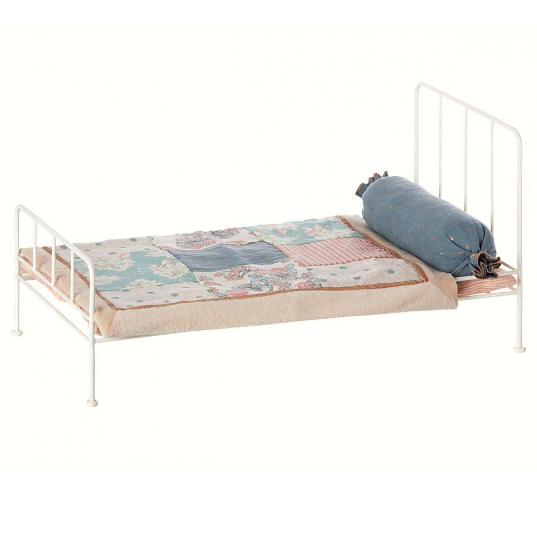 Large Size of Metall Bett Maileg Puppenhausmbel Mittelgro Weiss 11 3203 01 Ohne Füße Niedrig Betten Berlin Regale Mit Bettkasten 160x200 Himmel Halbhohes Günstiges Bett Metall Bett