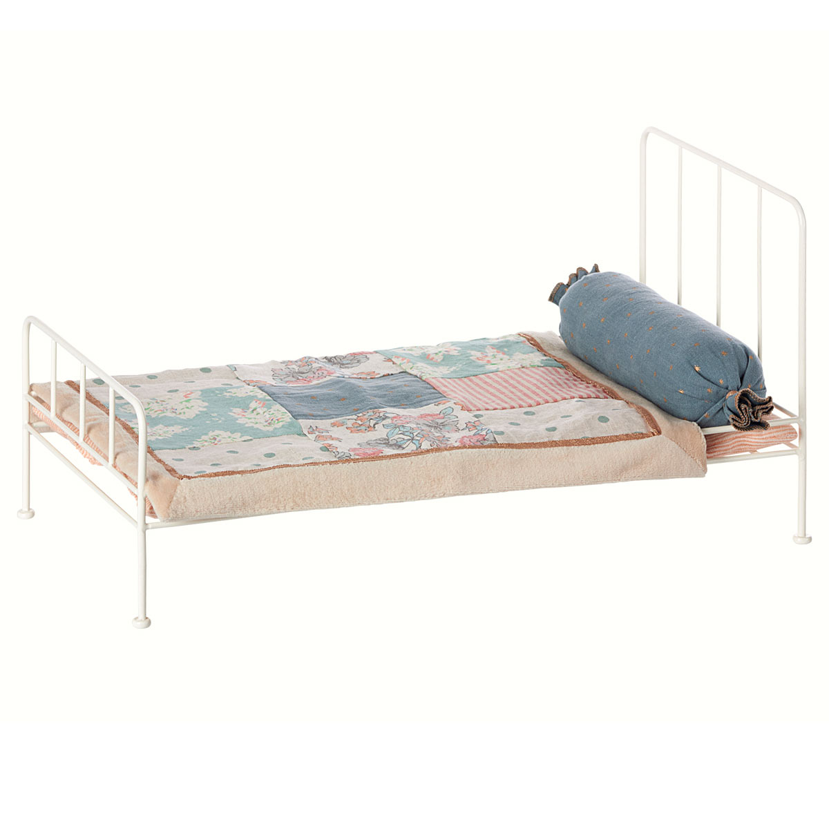 Full Size of Metall Bett Maileg Puppenhausmbel Mittelgro Weiss 11 3203 01 Ohne Füße Niedrig Betten Berlin Regale Mit Bettkasten 160x200 Himmel Halbhohes Günstiges Bett Metall Bett