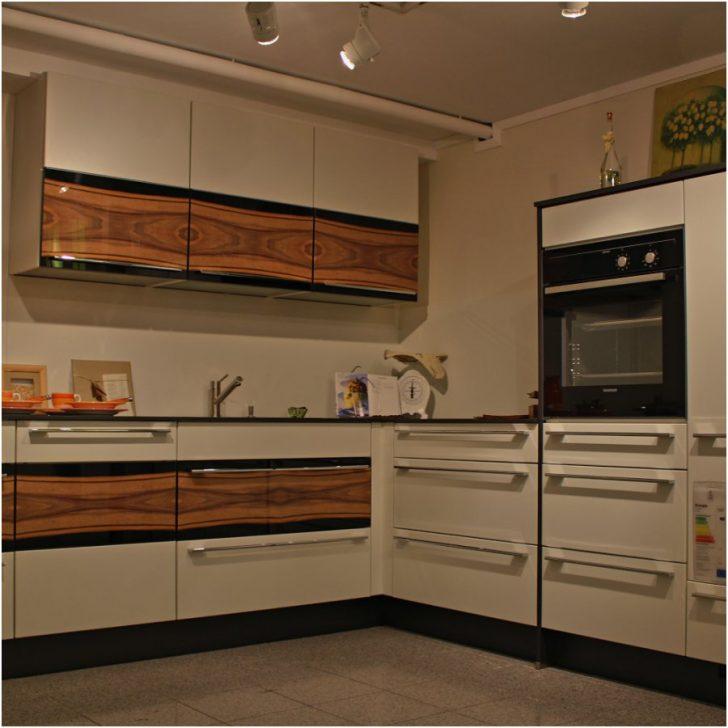 Medium Size of Billige Küche Einbauküche Mit E Geräten Einrichten Kaufen Elektrogeräten L Form Nischenrückwand Günstige Umziehen Wasserhahn Komplette Teppich Für Küche Billige Küche