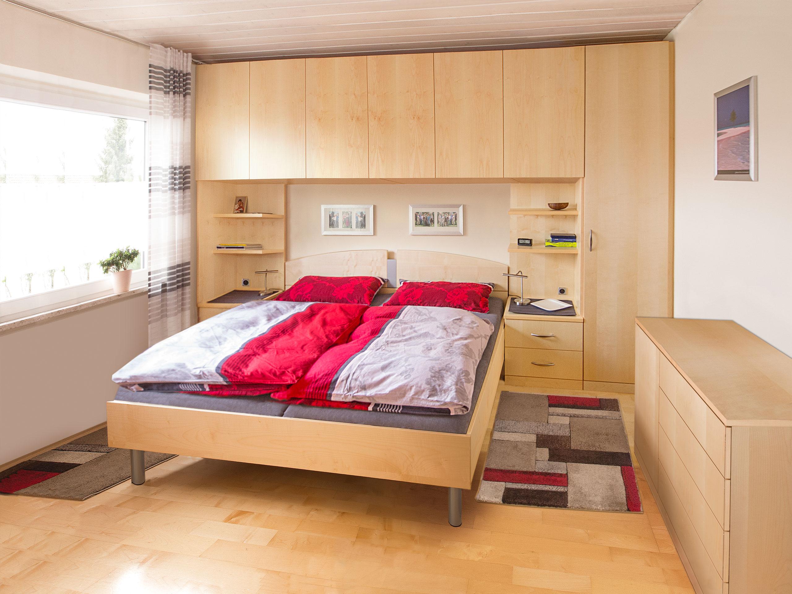 Full Size of Schlafzimmer Mit überbau Ikea Sofa Schlaffunktion Set Boxspringbett Betten Schubladen Eckschrank Nolte Gardinen Günstige Küche E Geräten Kleiderschrank Schlafzimmer Schlafzimmer Mit überbau