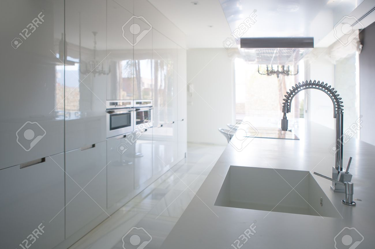 Full Size of Modern White Kitchen Perspective With Integrated Bench Küche Sitzbank Küche