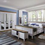 Schlafzimmer Landhausstil Natur Wohnzimmer Teppich Massivholz Vorhänge Kommode Nolte Lampe Gardinen Stuhl Für Rauch Wandtattoo Kronleuchter Kommoden Schlafzimmer Schlafzimmer Landhausstil