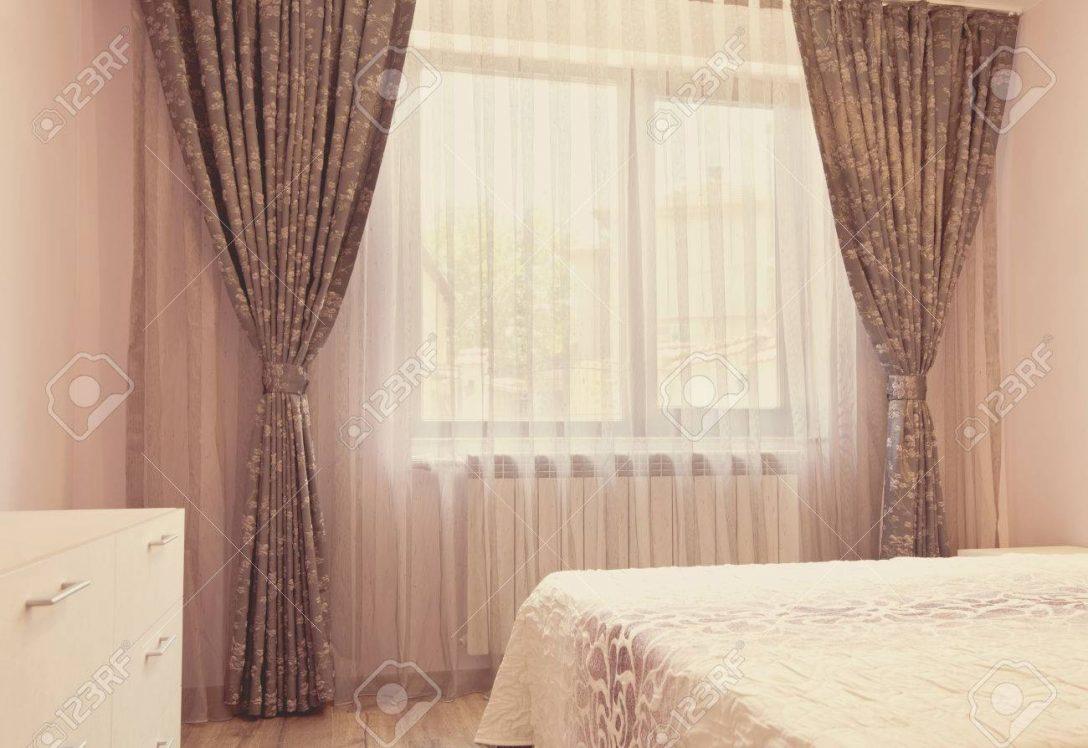 Large Size of Gardinen Schlafzimmer Lange Dunkle Luxusvorhnge Und Tllvorhnge Romantische Komplettangebote Teppich Set Mit Matratze Lattenrost Stehlampe Sitzbank Landhausstil Schlafzimmer Gardinen Schlafzimmer