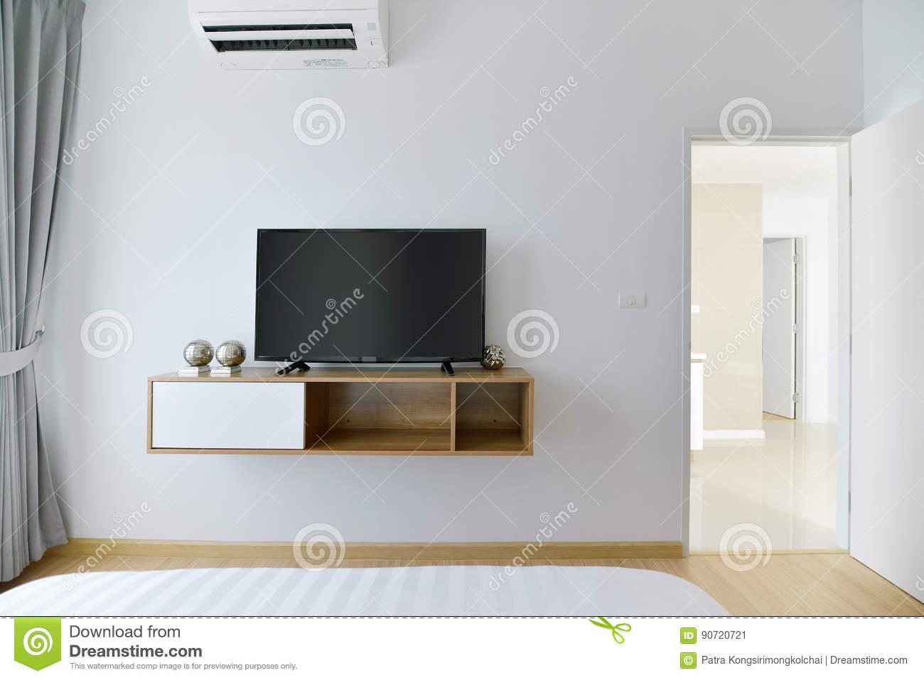 Full Size of Schlafzimmer Regal Leeres Mit Gefhrtem Fernsehen Auf Weier Luxus Weis Tiefe 30 Cm Fächer Offenes Weiß Lampen Ohne Rückwand Cd Schreibtisch Paschen Regale Schlafzimmer Schlafzimmer Regal