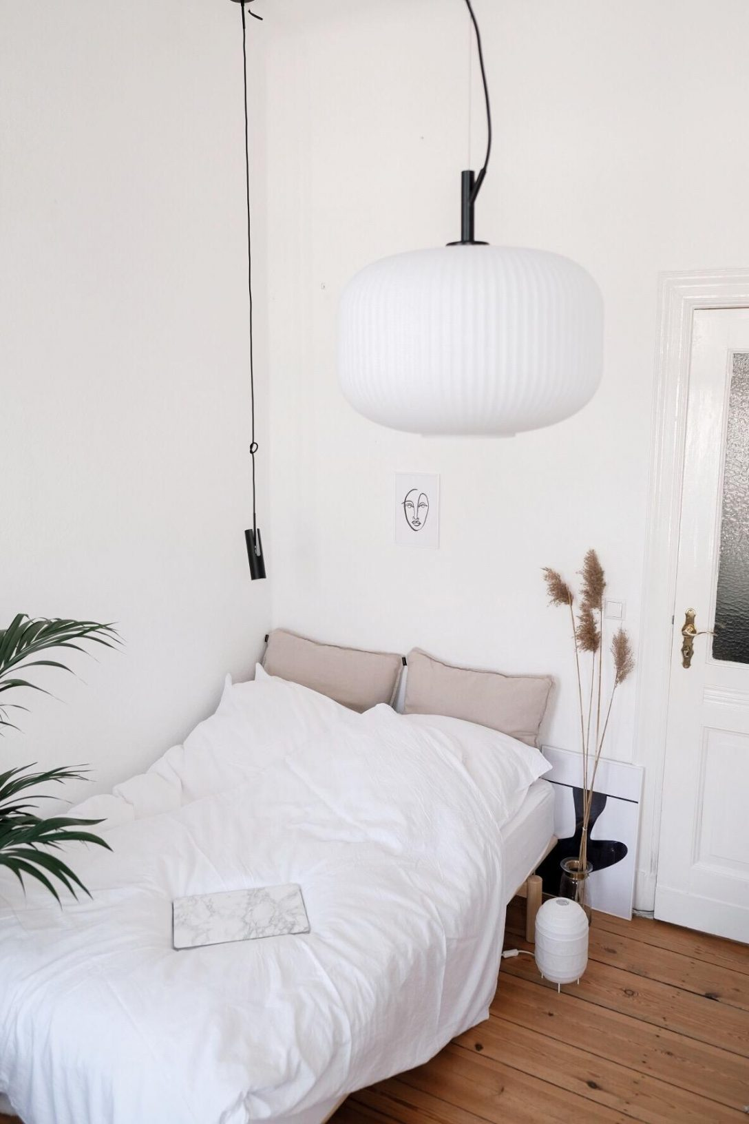 Large Size of Deckenleuchte Schlafzimmer Ikea Lampe Pinterest Deckenlampe Modern Holz Led Skandinavisch Dimmbar Deckenleuchten Tipps Und Wohnideen Aus Der Community Schlafzimmer Deckenlampe Schlafzimmer