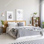 Teppich Schlafzimmer Schlafzimmer Teppich Schlafzimmer Stuhl Esstisch Regal Truhe Lampe Landhaus Weißes Deckenleuchte Deckenlampe Vorhänge Sessel Wandleuchte Deckenleuchten Wohnzimmer