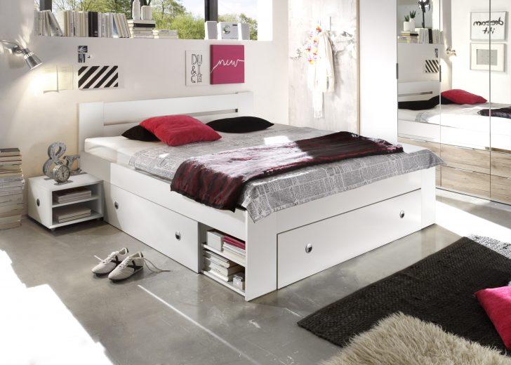Medium Size of Bett Weiß 180x200 Doppelbett Mit Nachtkommoden 180 200 Cm Ehebett Wei 120x200 Matratze Und Lattenrost Schlafzimmer Komplett Amerikanische Betten Günstig Bett Bett Weiß 180x200