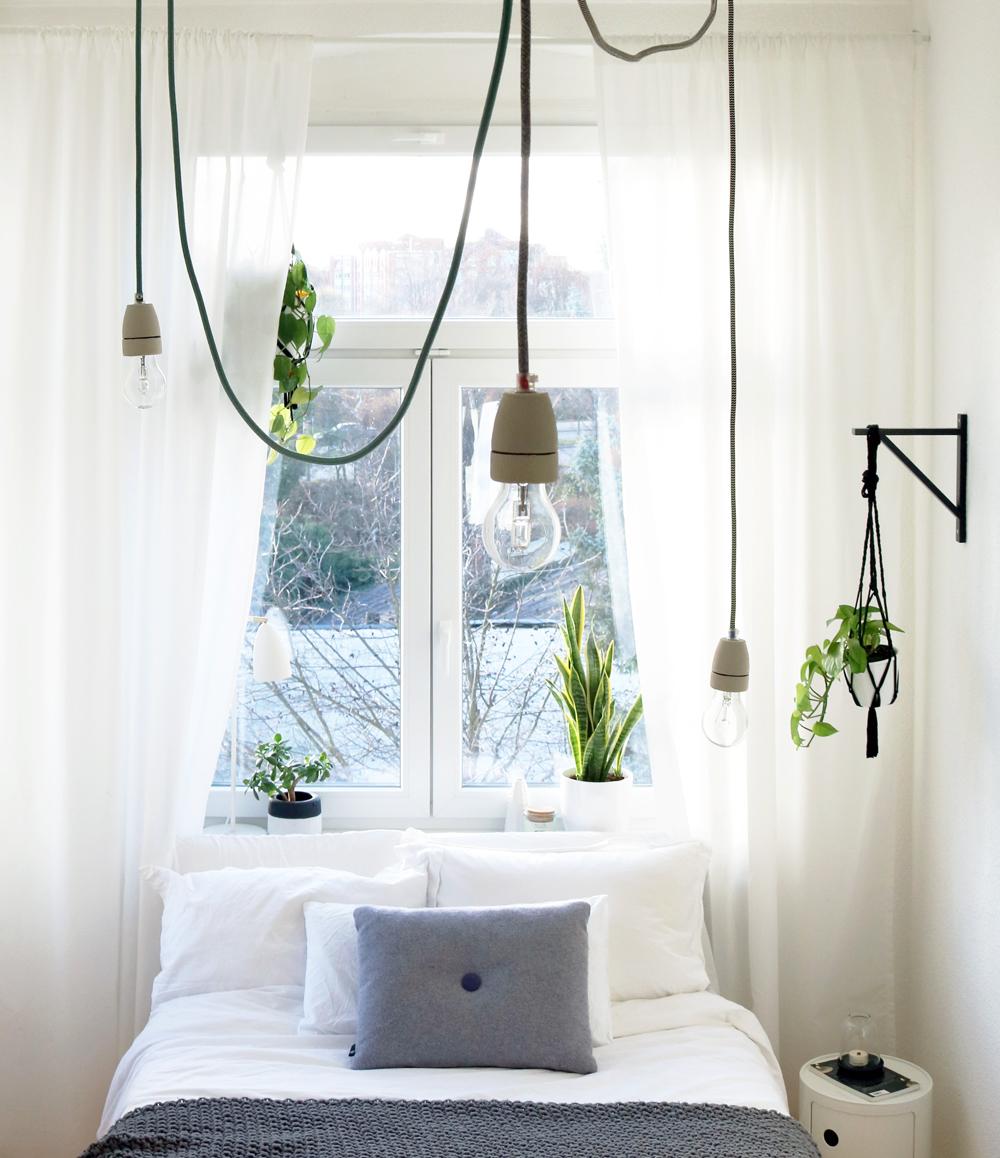 Full Size of Schlafzimmer Lampe Diy Textilkabel Im Its Pretty Nice Deckenleuchte Deckenlampe Bad Wohnzimmer Set Mit Matratze Und Lattenrost Schränke Hängelampe Nolte Schlafzimmer Schlafzimmer Lampe