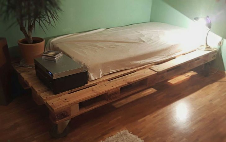 Medium Size of Bett Aus Paletten Kaufen Europaletten Mit Lattenrost 140x200 Gebraucht Palettenbett Das Solltest Du Unbedingt Wissen überlänge Landhausstil Küche Sofa Bett Bett Aus Paletten Kaufen