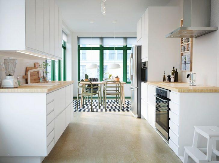Medium Size of How To Organize Small Kitchen Elegant Kuhinja Sa Elegantnim Belim Voxtorp Vratima I Pinnarp Radnom PloДЌom Küche Küche Einrichten