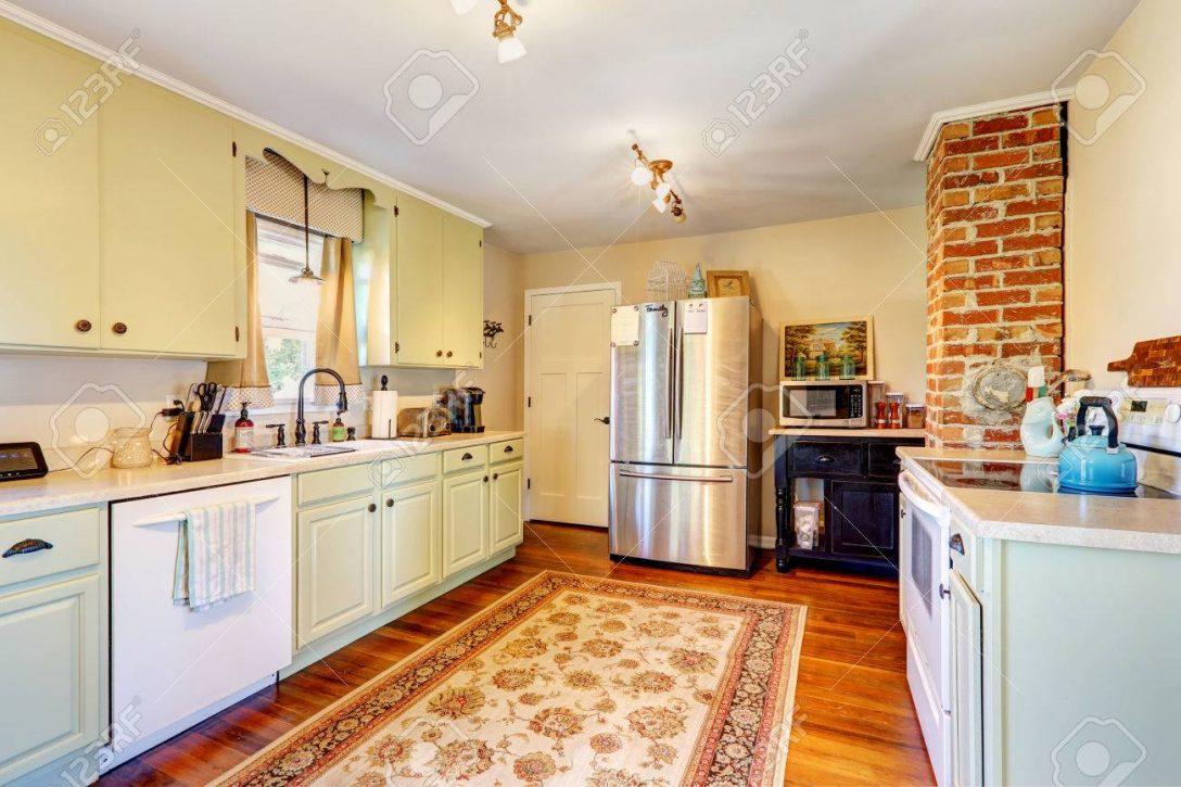 Large Size of Kitchen Room Interior In Old House Küche Küche Mintgrün