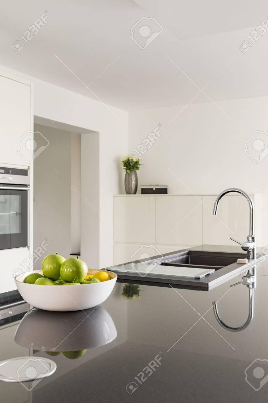 Full Size of White Kitchen With Black Worktop Küche Küche Waschbecken