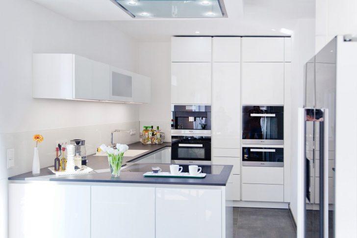 Medium Size of Küche Weiß Hochglanz Schwarze Arbeitsplatte Nobilia Küche Weiß Hochglanz Gebraucht Roller Küche Weiß Hochglanz Anrichte Küche Weiß Hochglanz Küche Küche Weiß Hochglanz