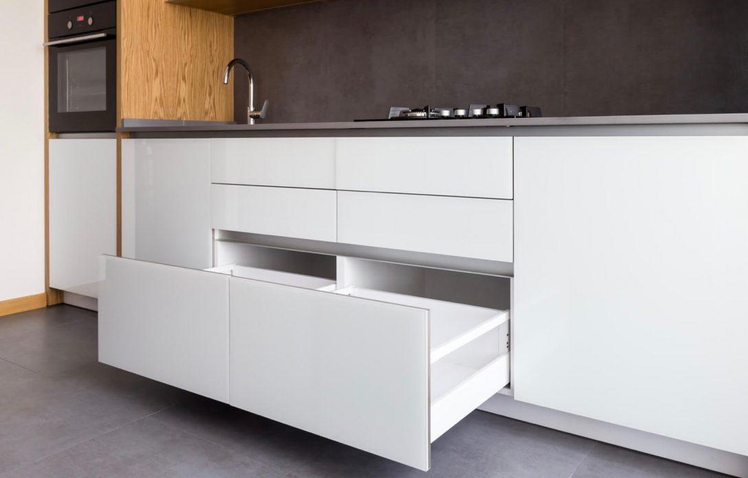 Large Size of Küchenblende Wand Küche Blende Unten Küchenblende Hängeschrank Sockelblende Küche 120 Mm Küche Küche Blende