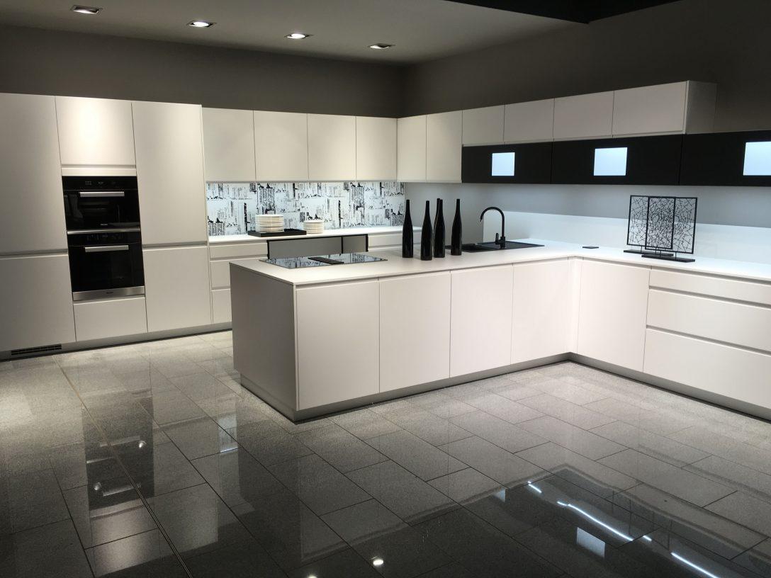 Large Size of Küchenrückwand Dunkel Küchenrückwand Eiche Küche Nischenrückwand Wie Hoch Rückwand Küche Montage Küche Nischenrückwand Küche