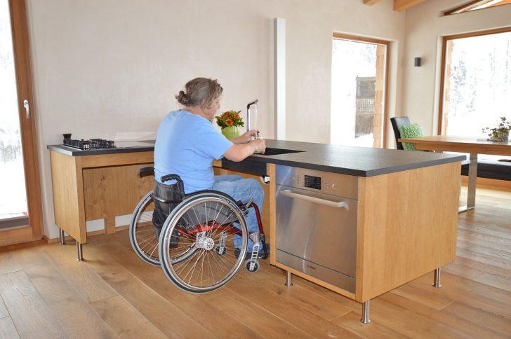 Medium Size of Behindertengerechte Küche Küchen Regal Kleiner Tisch Bartisch Bodenbelag Keramik Waschbecken Deckenlampe Umziehen Billig Alno Hängeschrank Glastüren Küche Behindertengerechte Küche