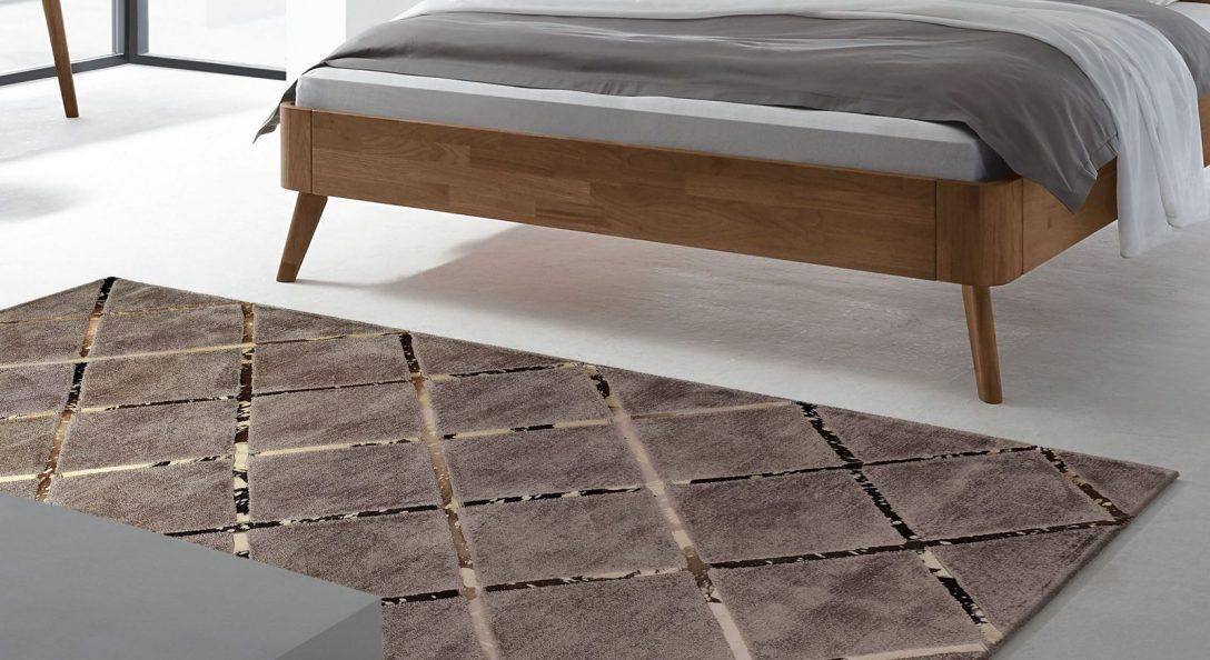 Large Size of Hochwertiger Teppich In Elegantem Design Square Bettende Deckenlampe Schlafzimmer Regal Rauch Kommode Wandleuchte Komplett Mit Lattenrost Und Matratze Schlafzimmer Teppich Schlafzimmer
