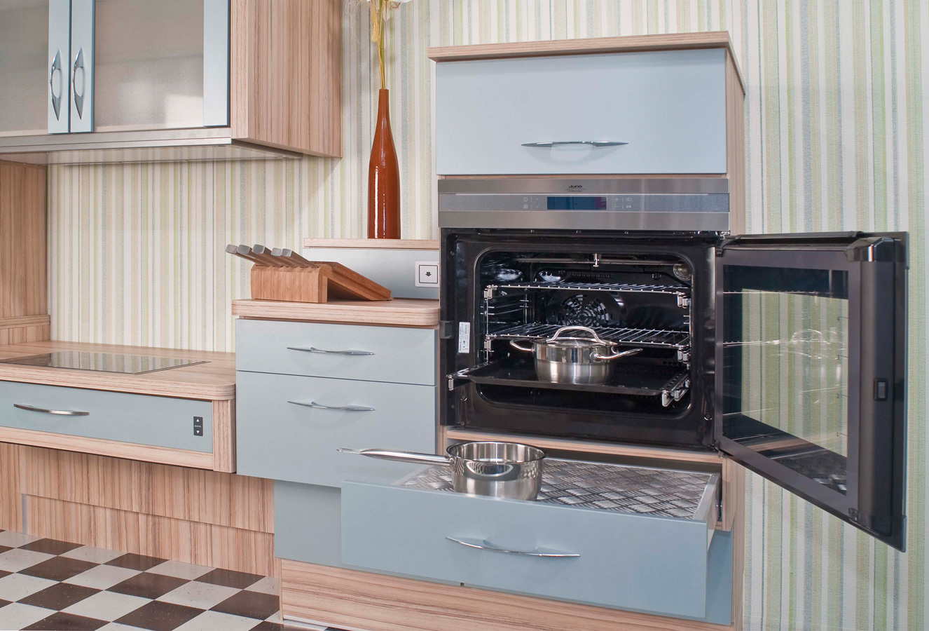 Full Size of Küche Mit Geräten Komplette Büroküche Wasserhähne Landhausküche Gebraucht Bank Unterschrank Deckenleuchte Polsterbank Amerikanische Kaufen Doppel Küche Behindertengerechte Küche