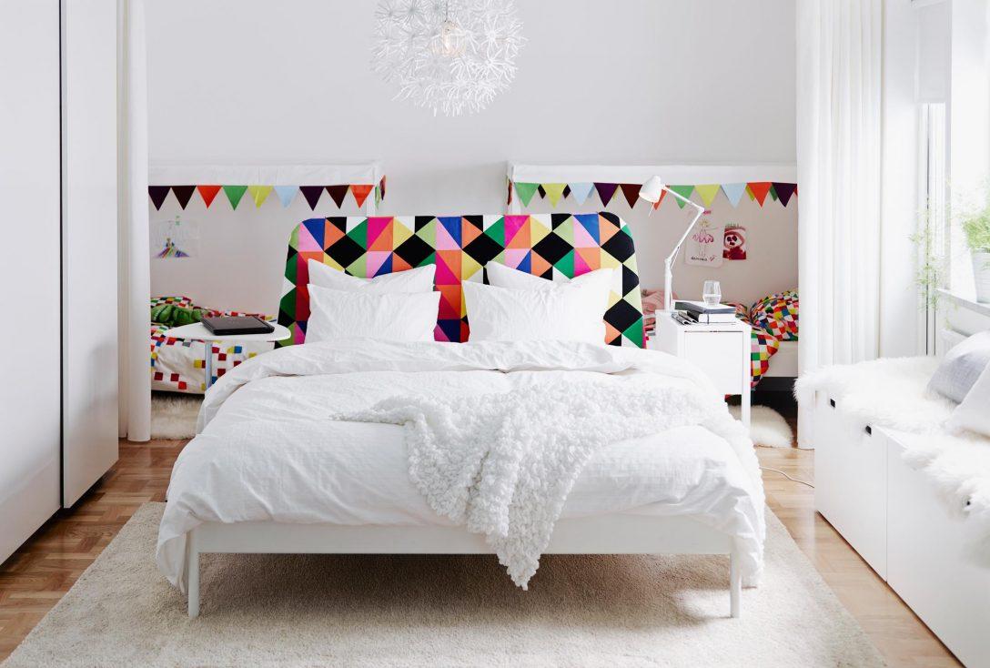 Large Size of Weißes Schlafzimmer Weies Mit Bunten Highlights Bettwsch Kommode Weiß Kronleuchter Landhausstil Eckschrank Deckenleuchten Wandtattoo überbau Bett 90x200 Schlafzimmer Weißes Schlafzimmer