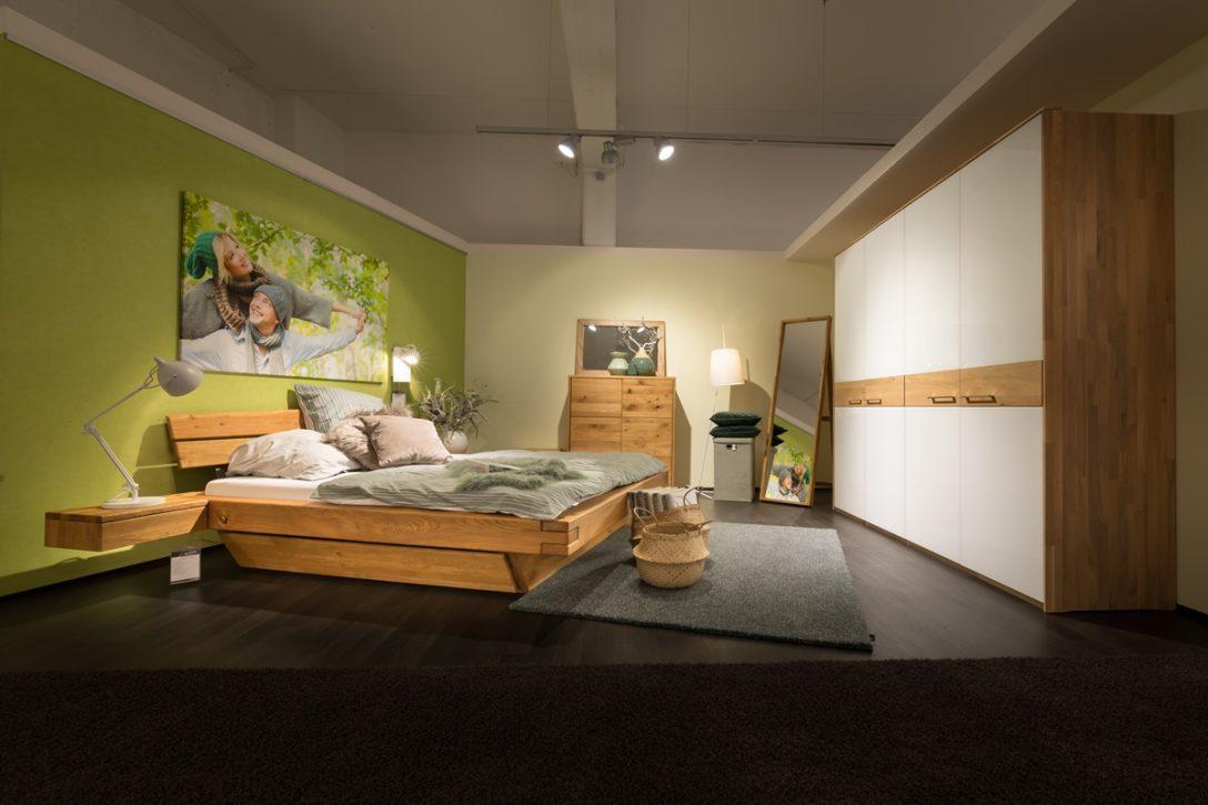 Large Size of Massivholz Schlafzimmer Natura New Jersey Bett Eiche Gardinen Deckenleuchte Sessel Esstisch Wandlampe Regal Für Nolte Mit überbau Wiemann Weiss Betten Schlafzimmer Massivholz Schlafzimmer