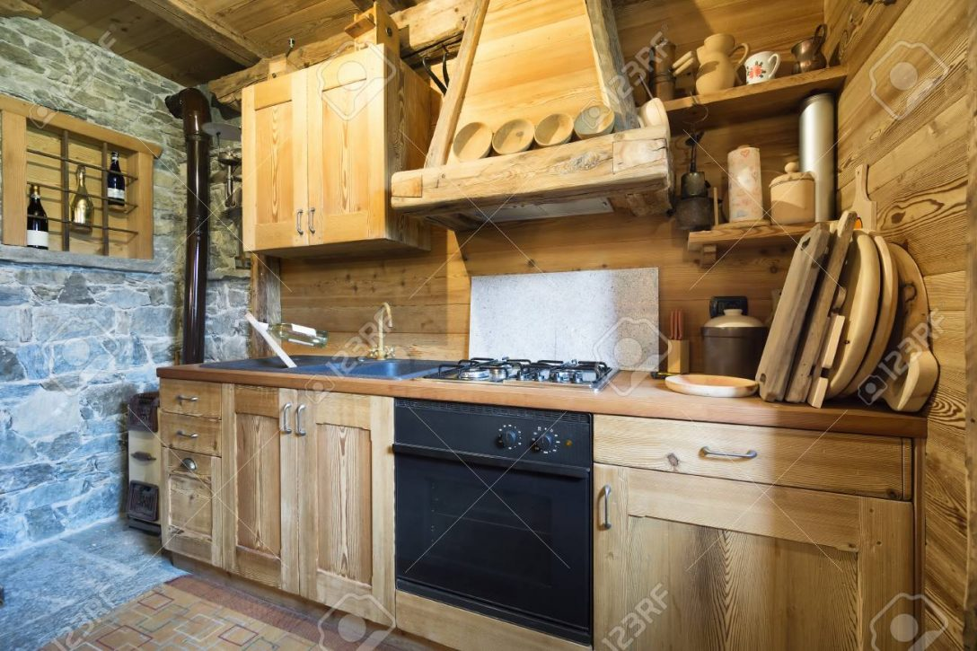 Large Size of Wooden Kitchen In Rustic Style Küche Holzküche