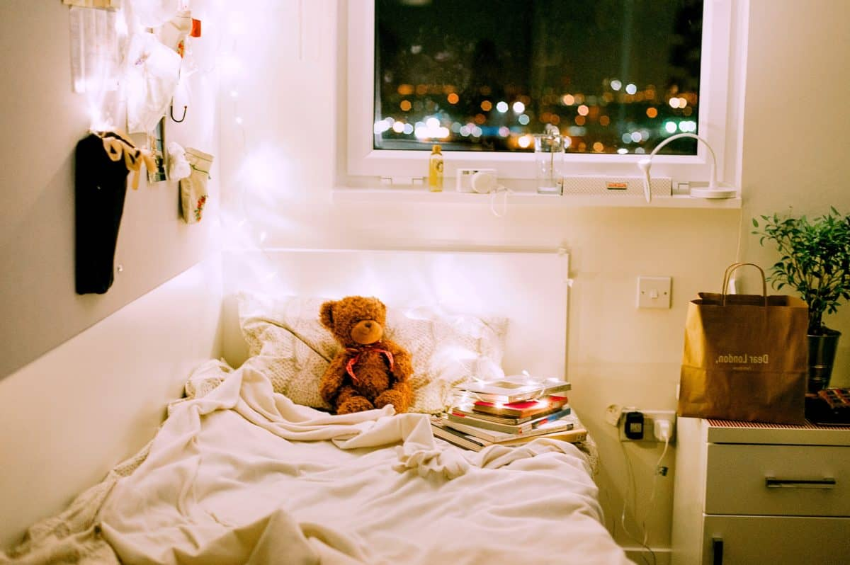 Full Size of Kostenlose Bild Haus Schlafzimmer Komplett Mit Lattenrost Und Matratze Lampen Küche überbau Led Deckenleuchte Lampe Badezimmer Sessel Betten Wandlampe Bad Schlafzimmer Lampe Schlafzimmer