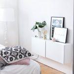 Weißes Schlafzimmer Schlafzimmer Weißes Schlafzimmer Trend Update Monstera Blatt Schranksysteme Set Mit Boxspringbett Komplett Lattenrost Und Matratze Stuhl Wandleuchte Schimmel Im Günstig