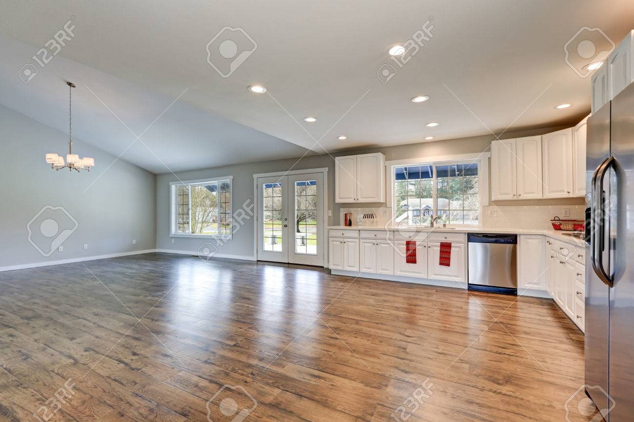 Full Size of Spacious Rambler Kitchen Interior With Vaulted Ceiling Küche Laminat In Der Küche
