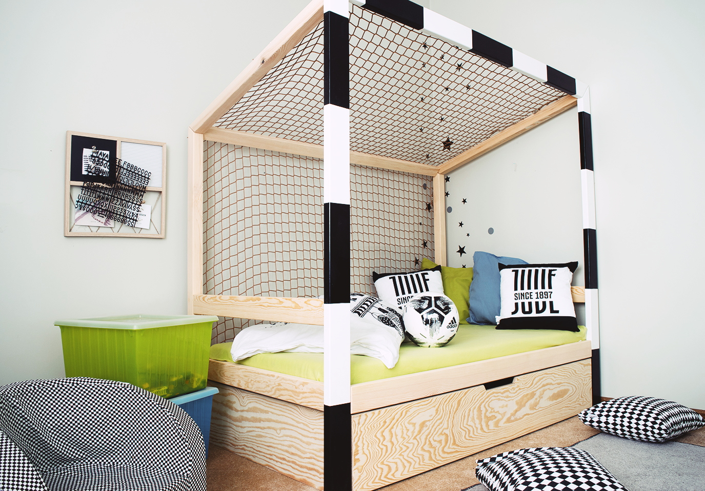 Full Size of Ausgefallene Betten Fuball Bett Kinderbett 1594 Minimidi Design Außergewöhnliche überlänge Landhausstil 140x200 Weiß Köln Meise Innocent Massiv Bett Ausgefallene Betten