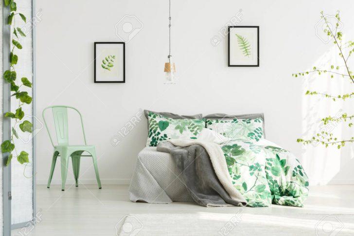 Medium Size of Schlafzimmer Stuhl Schrank Komplett Weiß Garten Liegestuhl Schränke Regal Lampe Guenstig Günstige Vorhänge Klimagerät Für Betten Mit Lattenrost Und Schlafzimmer Schlafzimmer Stuhl