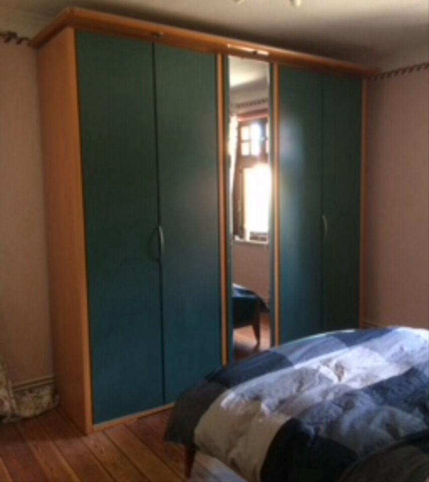 Full Size of Komplettes Schlafzimmer Deckenleuchte Deckenleuchten Komplett Massivholz Kommoden Mit überbau Deckenlampe Set Boxspringbett Günstig Regal Stehlampe Schlafzimmer Komplettes Schlafzimmer