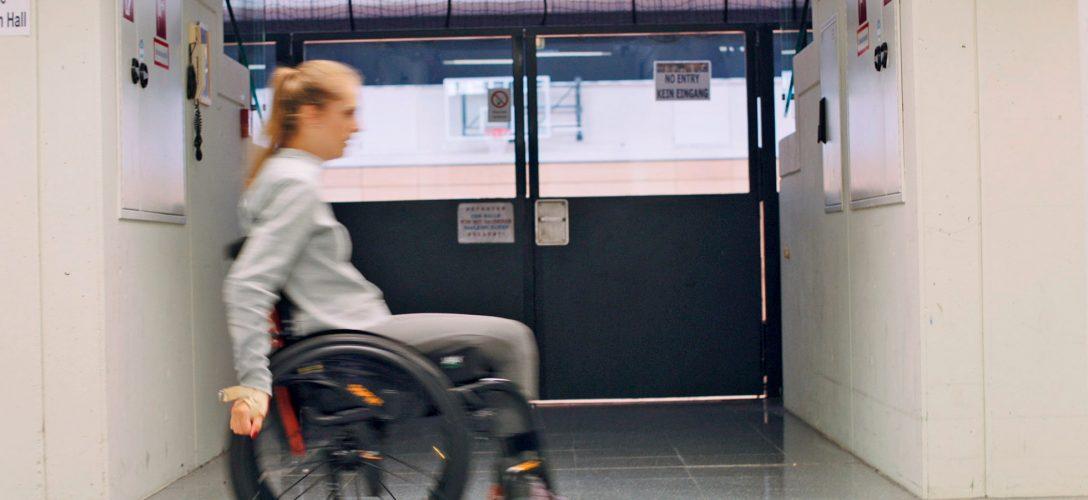 Large Size of Meine Barrierefreie Kche Kira Grnberg Eckbank Küche Landhausküche Teppich Für Holz Modern Einbauküche Gebraucht Hochschrank Singelküche Sitzecke Küche Behindertengerechte Küche