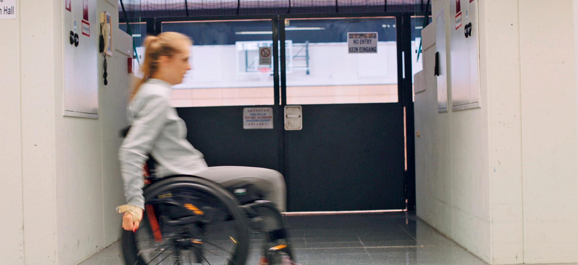Full Size of Meine Barrierefreie Kche Kira Grnberg Eckbank Küche Landhausküche Teppich Für Holz Modern Einbauküche Gebraucht Hochschrank Singelküche Sitzecke Küche Behindertengerechte Küche